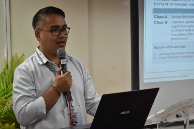Mr. Enrico L. Torres, Frontline Services Division Staff Officer III of the Government Service Insurance System (GSIS), conducted a re-orientation about the basic social security benefits provided by GSIS to UPOU employees.