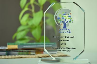 UPOU's PLDT Infoteach Outreach Program bested five other institutions for the eLearning Forum Asia 2019 Community Outreach Award